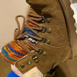 Bearpaw Marie lace up boot